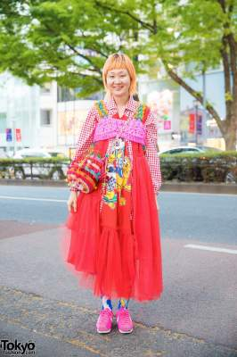 Яркие наряды японских модников на улицах Токио. Фото